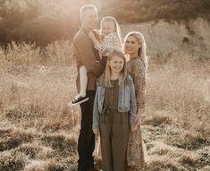 Family Pictures, Family Photos, Family Pics, Large Family Poses, Family Photography, Family Posing