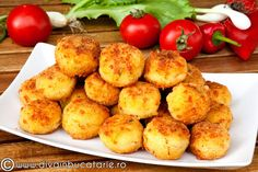 BULETE DE CARTOFI CU CASCAVAL | Diva in bucatarie Potato Recipes, Veggie Recipes, Dessert Recipes, Cooking Recipes, Healthy Recipes, Dinner Side Dishes, Dinner Sides, Canapes Recipes, Good Food