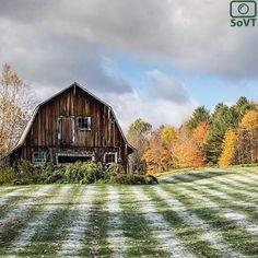 Vermont  ✨ Photographer  @laurensivophotography ✨  #ScenesofNewEngland  Pic of the Day  10.21.15 ✨ C o n g r a t u l a t i o n s ✨ #scenesofVT #stoweVT #vermont_potd  #vermont_weather  #snowinoctober #snowinfall #vermont_barn  #vermont_explore #vermont_fallfoliage  #fallinVT #fallingfo...