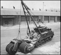 M32 with T1E1 Earthworm mine clearance roller