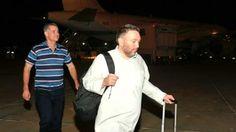Maskat (Press TV) - Zwei US-amerikanische Bürger sind aus der Haft im Jemen auf freien Fuß gesetzt und nach Maskat, der Hauptstadt von Oman, ausgeflogen wo...