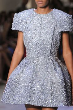 Dice Kayek at Couture Fall 2015 (Details)