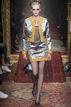 #Moschino   #fashion   #Koshchenets       Moschino Fall 2016 Ready-to-Wear Collection Photos - Vogue