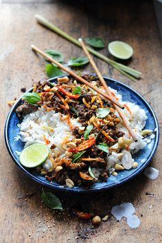 Bœuf haché tout parfumé et riz coco Thaï