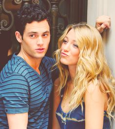 Dan Humphrey and Serena van der Woodsen played by Penn Badgley and Blake Lively on Gossip Girl Gossip Girls, Nate Gossip Girl, Gossip Girl Season 1, Blake Lively Gossip Girl, Dan Humphrey, Nate Archibald, Perfect People, Pretty People, Beautiful People