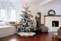Modern-Christmas-Decorations-for-Inspiring-Winter-Holidays-1