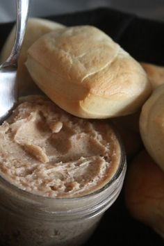 Texas Roadhouse Cinnamon Butter And Roll recipe!!!! <3