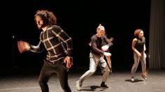 BackBone/Alida Dors True Colors So 02.04. 18:00 Mo 03.04. 11:00 18:00 Di 04.04. 11:00 Im Rahmen der Reihe Melancholie und Muskeln // Dt. Erstaufführung Es scheint als stünden zahlreiche Social Media Profile unter dem Motto: Bewundere mich und beneide mich. Aber wer zeigt schon sein wahres Gesicht in den sozialen Medien? Die Amsterdamer HipHop-Choreografin Alida Dors macht sich in ihrer neuesten Arbeit gemeinsam mit Spoken Word-Künstler Guus van der Stehen Opernsänger Marciej Straburynski und…