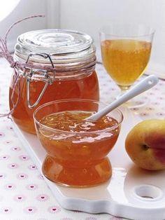Das Rezept für Aperol Spritz-Gelee mit Aprikosen und weitere kostenlose Rezepte auf LECKER.de