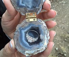 Make your already memorable proposal a bit more special by placing the engagement ring inside this geode ring box. This gorgeous handcrafted ring box is held together by a golden latch and has been fitted with a small ring-sized cavity at the center. Ring Set, Ring Verlobung, Gold Ring, Silver Ring, Perfect Wedding, Dream Wedding, Wedding Day, Gold Wedding, Hippie Wedding Ring