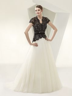 BT14-05 / Beautiful Collection / Enzoani / Available Colours : Ivory/Ivory, Ivory/Black (Shown with removable Lace Jacket & Belt)