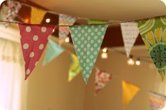 this bunting makes me so happy. if i ever get my farmhouse i will have bunting everywhere.