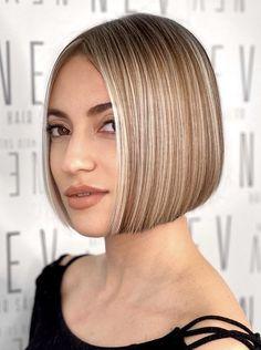Short Bob Haircuts, Hairstyles Haircuts, Straight Hairstyles, Short Blonde, Blonde Hair, Straight Long Bob, Cortes Bob, Really Short Hair, Short Hairstyle