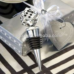 Wedding souvenirs of Choice Crystal Die Design Bottle Stoppers