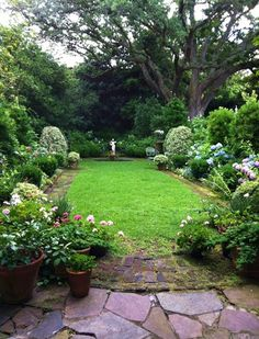 a small garden, Mrs. Whaley's garden in Charleston