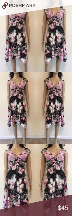 🌺Floral Print Dress Karen Kane floral print V-neck asymmetrical cut midi dress. Karen Kane Dresses Asymmetrical