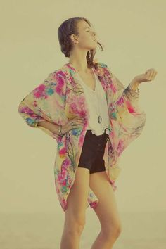 100 Hot Hippie Photo Shoots - From Funky Bohemian Lookbooks to Eclectic Hipster Editorials (TOPLIST)