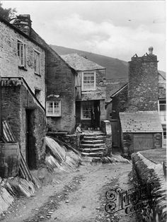 Old photo of Old Smugglers Cottage 1924, Polperro