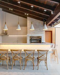 Farmhouse patio apartment 40 Ideas for 2019 Sweet Home, House Interior, Interior, Home Renovation, Modern Kitchen, Farmhouse Patio, Outdoor Kitchen, City Decor, Home Decor