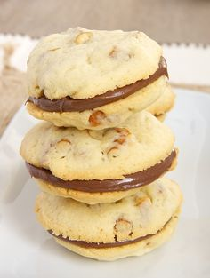 Pretzel Cookies with Chocolate-Hazelnut Filling are a wonderful sweet and salty treat! - Bake or Break
