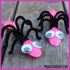 Five bug crafts for preschoolers via ownadaycare.com #crafts for #kids