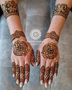 65 Fresh and Latest mehndi designs to try in 2020 Basic Mehndi Designs, Floral Henna Designs, Latest Bridal Mehndi Designs, Legs Mehndi Design, Mehndi Designs For Beginners, Mehndi Designs For Girls, Mehndi Design Photos, Mehndi Designs For Fingers, Dulhan Mehndi Designs