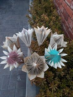 Book Page Art, Book Pages, Book Art, Book Folding, Paper Folding, Flor Protea, Folded Paper Flowers, Book Page Flowers, Blue Gold Wedding