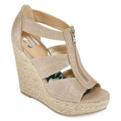 <p>From first dates to weekend chic, step out in our sandal wedges featuring a jute-inspired wedge and strappy design.</p><ul><li>polyester upper</li><li>4