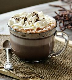 Simple guilty pleasure and recipe for Nutella Latte. With coffee or without it this is one delicious cafe latte! Nutella 1 cups Skim Milk (or any on hand) cup milk for frothing I Love Coffee, Coffee Break, Easy Coffee, Coffee Coffee, Coffee Shop, Coffee Maker, Nutella Cafe, Slow Cooker Desserts, Café Latte