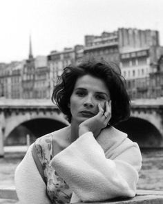 un-air-d-autrefois: Juliette Binoche by Robert Doisneau