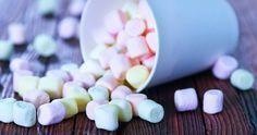 Domácí nadýchané bonbony? Snazší, než si myslíte! Cake Recipes, Dessert Recipes, Desserts, Fruit Roll Ups, Marshmallow, Food And Drink, Sweets, Candy, Homemade