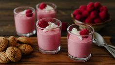 Raspberry Mousse Recipe - i would substitute the gelatin with something more veggie friendly :) Fancy Desserts, Just Desserts, Delicious Desserts, Dessert Recipes, Yummy Food, Dessert Ideas, Cake Recipes, Yummy Treats, Sweet Treats