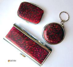 Porte cigarette, pilulier, cendrie de poche, décoré en pâte polymère
