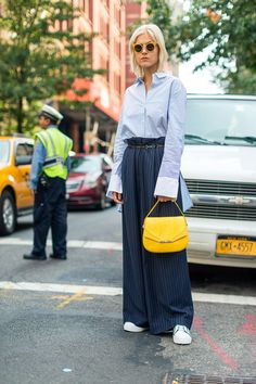 10 Cool Street Style Looks From New York Fashion Week New York Fashion Week Street Style, Spring Street Style, Inspiration Mode, Paisley, Vogue, Street Style Looks, Fashion Photo, Nyc Fashion, Fashion Weeks