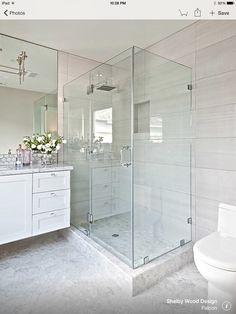 e this glass shower Small Master Bath, House Bathroom, Bathroom Renos, Washroom Small, Shower Room, White Marble Bathrooms, Modern Bathroom Remodel, Bathroom Interior, Bathroom Colors