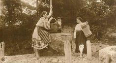 Romanian Girls, Old Photos, Barefoot, Straw Bag, Costume, Ethnic, Pictures, Bags, Painting
