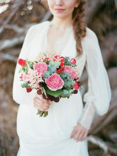 Berry hued bridal bouquet | Ksenia Milushkina Photography | see more on: http://burnettsboards.com/2014/08/romantic-berry-wedding-editorial-forested-beach/