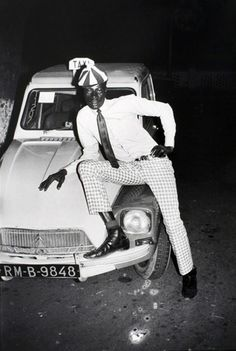 Malick Sidibe, Taximan avec Voiture, 1970, gelatin silver print, 20 7/