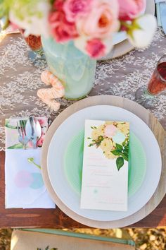 Simply chic place setting with lace tablecloth and floral elements #wedding #rustic #chic #placesetting #weddingreception