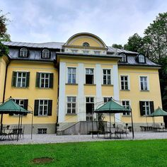 If you are looking for a hidden gem for your destination wedding in Austria in the heart of Salzburg - this is it!  Villa Trapp is where the history of 'Sound of Music' can be found. You can either get legally married in the 3 acre park or in the library. No matter what you choose -  you and a small number of guests can even spend the night in one of the individually decorated rooms in this villa. Very romantic! . . . . #stressfreeweddingsbysandram #gettingmarriedinaustria… Salzburg, Sound Of Music, In The Heart, Austria, Getting Married, Acre, Gem, Destination Wedding, Villa