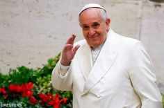 Catholic News World : Wow Pope Francis eats lunch with 120 Prisoners in ...