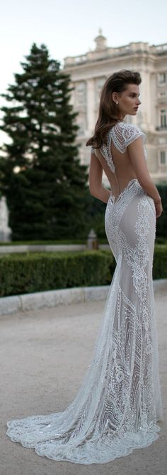 This @bertabridal gown is just breathtaking. Have you followed them on Pinterest?