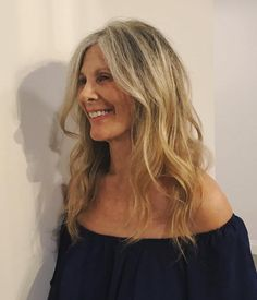 Latest Hairstyles and Haircuts for Women in 2020 Grey Hair Help, Grey Hair Over 50, Grey Hair Dye, Long Gray Hair, Dyed Hair, Grey Hair Video, Grey Hair Journey, Grey Hair Transformation, Shampoo For Gray Hair