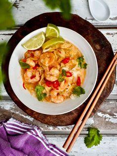 Hamburgers, Thai Red Curry, Tapas, Shrimp, Food And Drink, Baking, Ethnic Recipes, Burgers, Hamburger