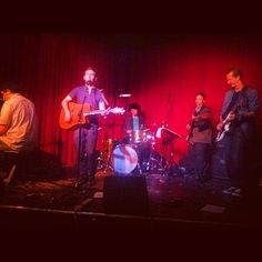 Hotel Cafe à Los Angeles, CA really small concert venue. place to see up and coming artists.