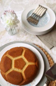 Gâteau vegan à la vanille et aux graines de chia (+ concours : un moule football Tupperware à gagner !)