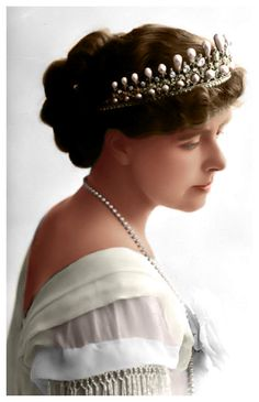 Marie of Romania 1904 This is for POST-JULIETTE for getting my Page View! Marie of Romania - 10000 Royal Tiaras, Tiaras And Crowns, Month Gemstones, Romanian Royal Family, Diamond City, Eye For Beauty, Royal Beauty, Court Dresses, Royal Brides