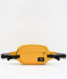 Store all your off-hand items in colorful style with the Vans Aliso II Sulphur Fanny Pack. With a heavily padded back panel for all-day comfort and two pockets for storage, this pack has plenty of space for all your needs. Finished with a Vans logo patch Fanny Pack Pattern, Backpack Purse, Crossbody Bag, Cute Fanny Pack, Vans Logo, Best Bags, Girls Bags, Cute Bags, Vans Sneakers