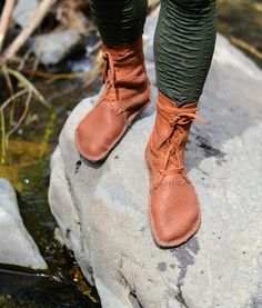 This Bison Leather Boots Brown Black Hand Stitched Conveyor Belt is just one of the custom, handmade pieces you'll find in our boots shops. Brown Leather Purses, Brown Leather Boots, Brown Boots, Moccasin Boots, Shoe Boots, Ankle Boots, Homemade Shoes, Gn, Minimalist Shoes