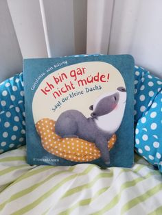 """I'm not tired at all! Says the little badger"" – Constanze von Kitzing – Buchk … - Modern Felt Animals, Baby Animals, Cute Animals, Stuffed Animal Patterns, Dinosaur Stuffed Animal, Homemade Stuffed Animals, Cute Baby Sloths, Crochet Teddy Bear Pattern, Axolotl"
